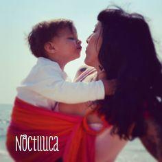 Foto by Noctiluca Trapitos #porteo #noctilucatrapitos #babycute #babycarrier #rikinodelamuerte