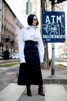 Milan Fashion Week Fall 2017 Street Style Day 5 - The Impression