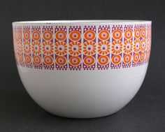 Rare Collectable Finel Arabia of Finland Kaj Franck Enamel Bowl - Large White, Purple, and Orange Daisy Pattern Vintage Enamelware, Vintage Kitchenware, Bowl Image, Deco Retro, Toy Kitchen, Kitchen Ware, Stig Lindberg, Daisy Pattern, Vintage Cups