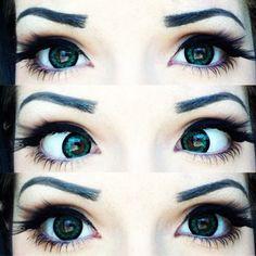 green eyes longs lashes