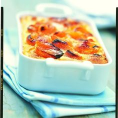 Clafoutis aux abricots maison Dessert Aux Fruits, Cake Factory, Fruit Recipes, Cheesecakes, Macaroni And Cheese, Cravings, Biscuits, Sweet Tooth, Panna Cotta