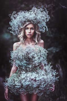 Svetlana Belyaeva is a talented young Russian photographer. The compositions, colors and contrasts of her shots are remarkable. She is also very skilled in retouches. The final result is more of the time work are the limit between reel and imaginary. You can see more photos on her portfolio and her 500px.