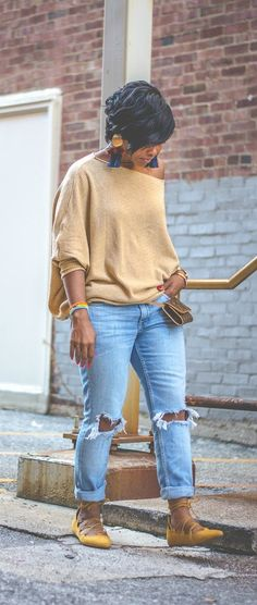 off the shoulder top, distress denim, everyday style, fall outfit idea, sweenee style, indianapolis blogger,