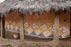 Hans Silvester, Painted Houses of Southern Ethiopia Vernacular Architecture, Art And Architecture, Tribal Images, Art Nouveau, Afrique Art, Guest Bedroom Decor, Out Of Africa, Wall Patterns, Aboriginal Art