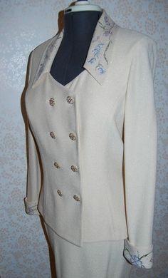 NEW St John Evening Marie Grey Ivory Cream Embroidery Suit Jacket Skirt 10 12 #StJohn #SkirtSuit