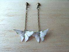 """Boucles d'oreilles, boucles d'oreilles """" origami papillon blanc """" est une création orginale de les-mobidulles sur DaWanda"""