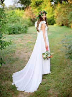 Lovely boho gown: http://www.stylemepretty.com/2013/08/06/russia-wedding-from-max-koliberdin/   Photography: Max Koliberdin - http://maxkoliberdin.com/