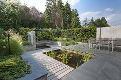 Moderne tuin Helmond / HET RULLEN