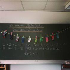 EINMALEINS . . . heute sind wir mit dem Einmaleins gestartet. Danke für die Sockeninspiration @teacher.ella 😊 Die #superhelden haben… Education Logo, Primary Education, Education Grants, Primary School, Education City, 2nd Grade Math, Math Class, Waldorf Math, Teacher Problems