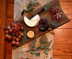 A nice low FODMAP cheese boards: savory and sweet version!