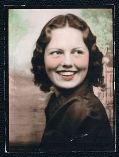 VINTAGE PHOTOBOOTH (?) PHOTO OF YOUNG LADY ANTIQUE COLOR PHOTOGRAPH | eBay