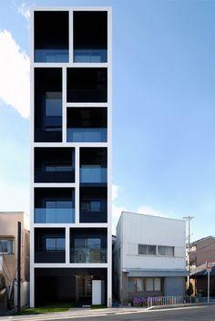 Apartment in Katayama by Mitsutomo Matsunami. het gebouw is geschikt omdat vanwege de structuur en omdat het gebouw in de hoogte is gebouwd. het neemt dus weinig ruimte in beslag.