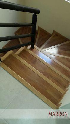 Piso Laminado 8mm en Escalera #MD #Marrón #Decoracion #Piso #Diseño #Laminado