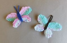 Adorable Easy Knitted Butterflies : Free knitting and crochet patterns. I am a popular independent designer. Knitted Flower Pattern, Baby Booties Knitting Pattern, Animal Knitting Patterns, Knitted Flowers, Baby Hats Knitting, Mittens Pattern, Free Knitting, Flower Patterns, Crochet Patterns