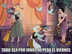 I wasn't aware that princesses had to work this hard! Aurora (Briar Rose), Cinderella & Snow White Artwork by Fernl Walt Disney, Cute Disney, Disney Girls, Disney Magic, Disney Crossovers, Disney Memes, Disney And Dreamworks, Disney Pixar, Disney Characters