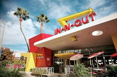 In-N-Out, the best fast food burgers and milkshakes around. Еда