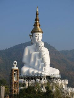 Get the best deal on Spiritual Buddhist Pilgrimage Tour Package with Yesme Tours & Travels. We are the best top buddhist tour operator in Delhi, India. Gautama Buddha, Buddha Buddhism, Buddhism Religion, Chiang Mai, Temples, Art Buddha, Image Zen, Theravada Buddhism, Exotic Beaches