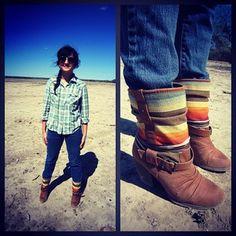 plaid, aviator sunglasses, boots. Country, Aviator Sunglasses, Fashion, Fashion Blogger, Blog, Modest Fashion, Plaid shirt.
