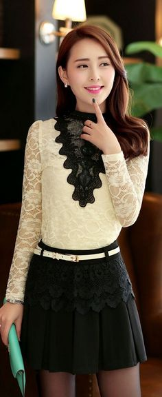 Elegant Long Sleeve Lace Blouse with Round Neck YRB0635