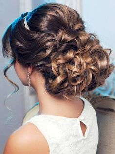 Beautiful curls for long hair if you want to wear it up.  Add a touch of bling…