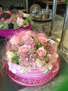 Bloementaart Floral Cake, Arte Floral, Flower Crafts, Flower Art, Decoration St Valentin, Fresh Flower Cake, Flower Festival, Decoration Inspiration, Flower Cupcakes