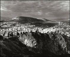 1937 Photo by Herbert List Herbert List, Old Photos, Vintage Photos, Ancient Greece, Mount Rainier, Athens, Grand Canyon, Documentaries, Mountains