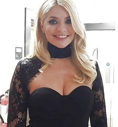 Holly looking fab! Beautiful Celebrities, Gorgeous Women, Beautiful Females, Holly Willoughby Legs, Flawless Beauty, Tv Presenters, Thing 1, Portraits, Woman Crush