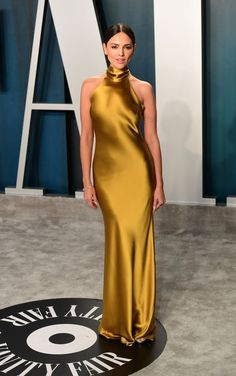 Eiza Gonzalez shimmered in a slinky gold mermaid long evening dress with the high neckline at the 2020 Vanity Fair Oscar party. Celebrity Red Carpet, Celebrity Dresses, Celebrity Style, Celebrity Babies, Beautiful Dresses, Nice Dresses, Formal Dresses, Party Dresses, Amazing Dresses