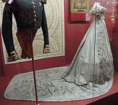 File:Alexandra Fedorovna's coronation dress (1826, Kremlin) 04 by shakko.JPG