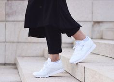 reebok white sneakers and dress - Bing images Stan Smith, Street Style, How To Wear, Fashion Trends, Clothes, Shopping, Shoes, Things To Sell, La Mode