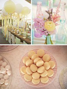 Balloons, flowers & macarons decor