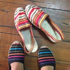Classic low wedge (3 cm) heeled espadrilles are the perfect blend of style and comfort. Surely a must-have!