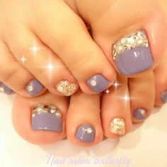 Grey -Gold Toe Nail Art Pedicure Ideas, Pedicure Designs, Pedicure Nail Art, Toe Nail Art, Mani Pedi, Nail Ideas, Gold Toe Nails, Cute Toe Nails, Feet Nails