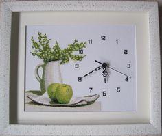 Reloj punto de cruz