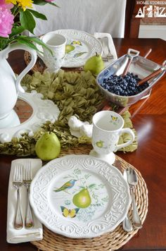 Antique-Countryside-Pear-tablescape.jpg 620×936 pixels