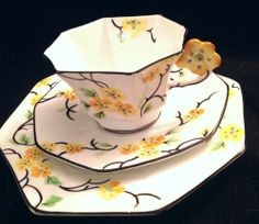 Melba Flower Handle Hand painted Octagonal Yellow Pansy Tea Cup And Saucer Trio Vintage China, Vintage Teacups, Antique China, Yellow Tea Cups, Antique Tea Cups, Tea Party Birthday, My Cup Of Tea, Chocolate Coffee, Mellow Yellow