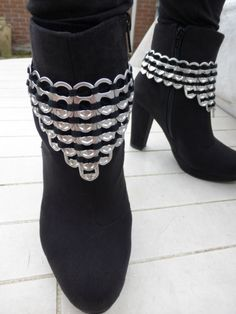 Pimp your boots with poptabs. Made by Carola