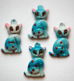 Vintage Metal Kitty Cat Charms chr176F by yummytreasures on Etsy, $2.50(meer cats)?