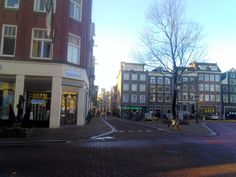 #Amsterdam  #Haarlemmerbuurt/plein 10 min.geleden in de zon. #mooi