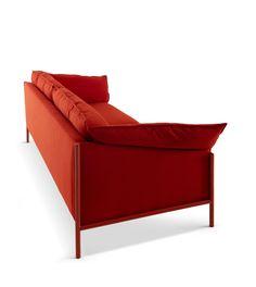 milandesignweek2017#redsofa#angelettiruzzadesign#myhomecollection#reddesign
