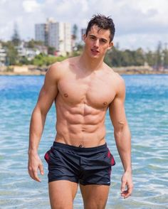 Looking to model? Send me your photos! Gay Male Models, Rafael Miller, Pietro Boselli, Rugby Men, Barefoot Men, Athletic Men, Shirtless Men, Cute Actors, Male Body