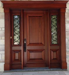 A finished project from Portes Alain Bourassa, using one of our Baldwin products, the Elkhorn entry set. Door Design Interior, Wooden Front Door Design, Door Gate Design, Craftsman Front Doors, Door Glass Design, Front Door Design
