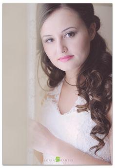 beautiful bride Beautiful Bride, Love Story, Wedding Photography, Weddings, Couples, Women, Fashion, Wedding Shot, Moda
