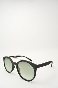 Logos LEONE black matte sunglasses #sunglasses #logos #roundshape #blackmatte #bassanodelgrappa #greengreadient #goldenbridge #designglasses #design #cheap online store at www.bassanooptical.com