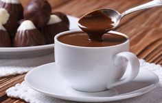 O Chocolate Quente de Cafeteria é delicioso, cremoso e fácil de fazer. Faça…