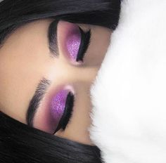 Blusher is the make up product that allows you to recreate a healthy, natural glow all-year round, and is the perfect finishing touch to any well made up face. Makeup On Fleek, Kiss Makeup, Flawless Makeup, Prom Makeup, Hair Makeup, Makeup 2018, Makeup Art, Purple Makeup, Glitter Makeup