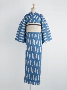 Yukata (informal cotton robe) with overall feather motif.
