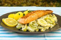 Dochází Vám nápady, co uvařit k večeři? Zkuste náš certifikovaný recept na lososa s ricottovým pórkem a vařeným bramborem. Zdravé a vyvážené jídlo, které máte za pár minut hotové.