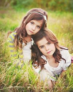 awesome sibling pose. by claudia