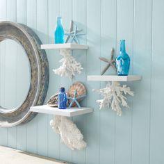 Add hanging shelves to your PerSei apartment home with beachy decor for a summer decoration Beach Theme Bathroom, Beach Bathrooms, Sea Bathroom Decor, Beach Themed Rooms, Ocean Themed Bedrooms, Bathroom Wall, Beach Themed Decor, Beachy Bathroom Ideas, Nautical Bathrooms